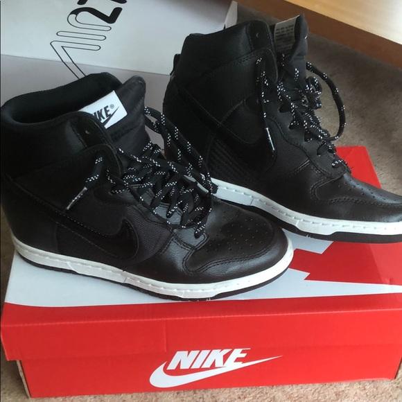 Profesión cohete Fácil de comprender  Nike Shoes   Nike Wedge Sneakers Black Size 65   Poshmark
